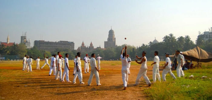 Catching practice at Azad Maidan, Mumbai ┬® Emma Levine 2011